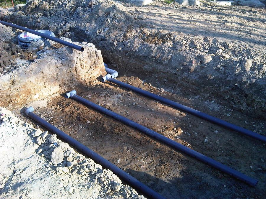 Terrassement de la piscine notre maison for Drainage piscine